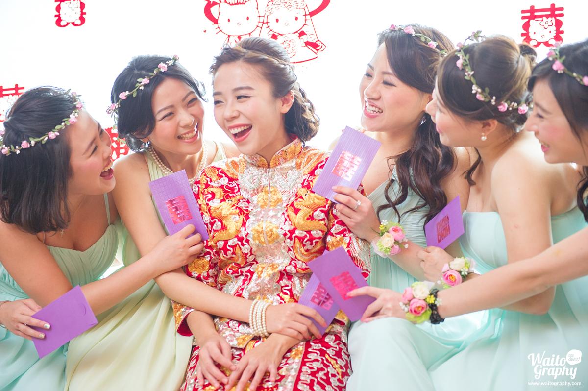 hk wedding photographer captured the happy bride