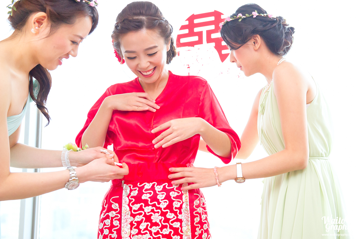 sweet moment in a hk wedding ceremony