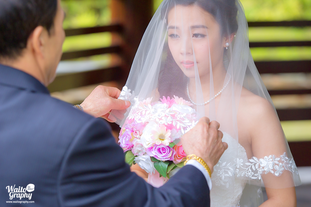 hk photographer captured the moment in a lawn wedding