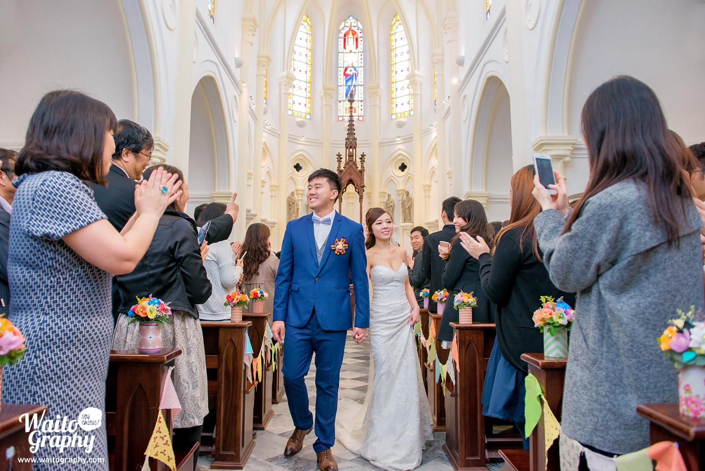 hk wedding couple by waitography photographer at bethanie church 伯大尼