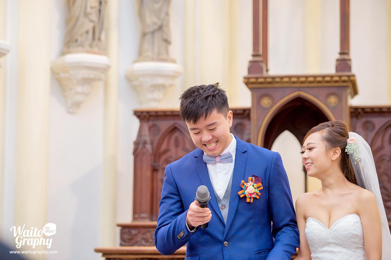hk.wedding.couples.bethanie.church.sweet.moment