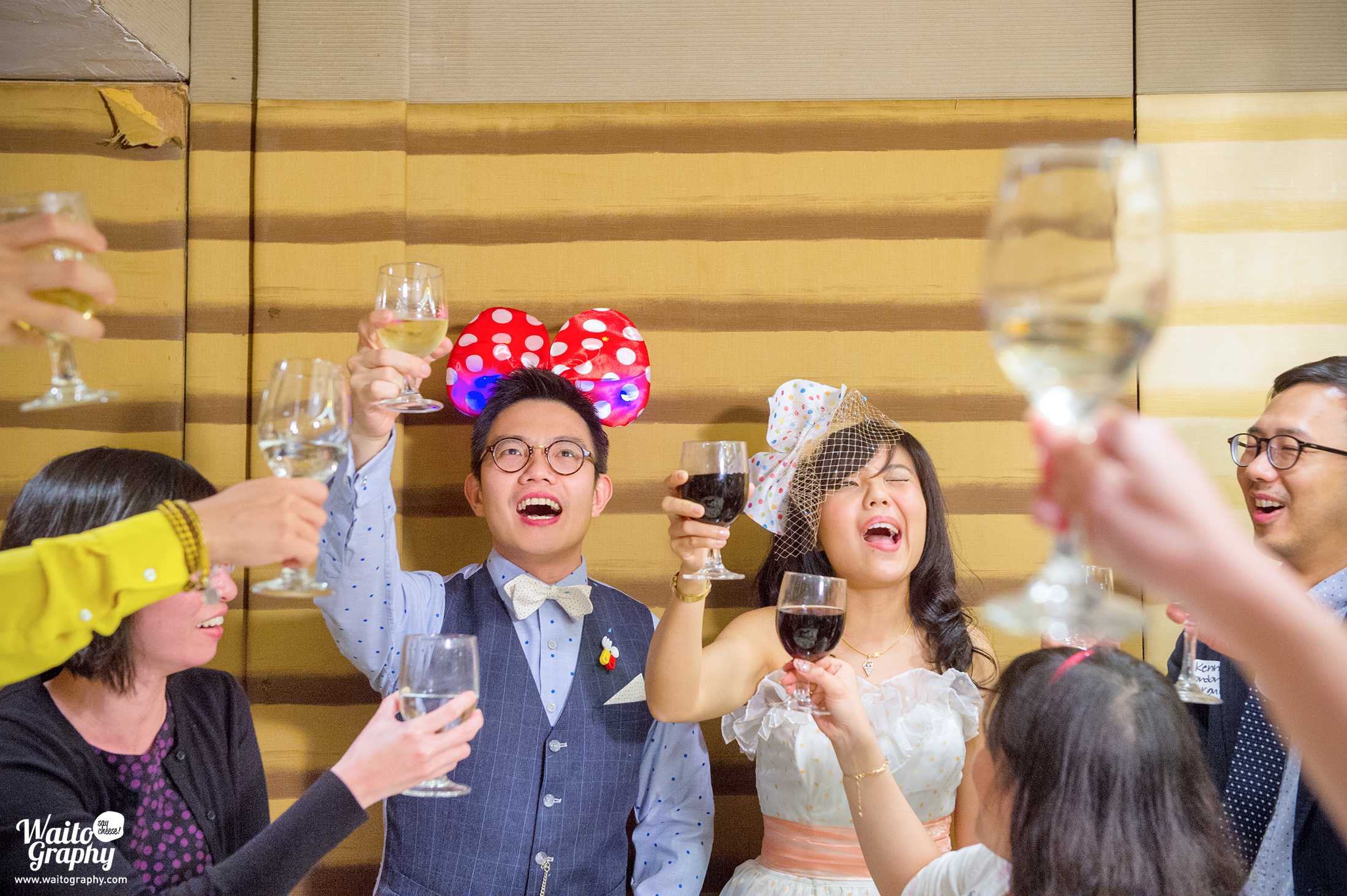 Hong Kong wedding couple cheers moment captured by one of the Best Hong Kong Wedding Photographer