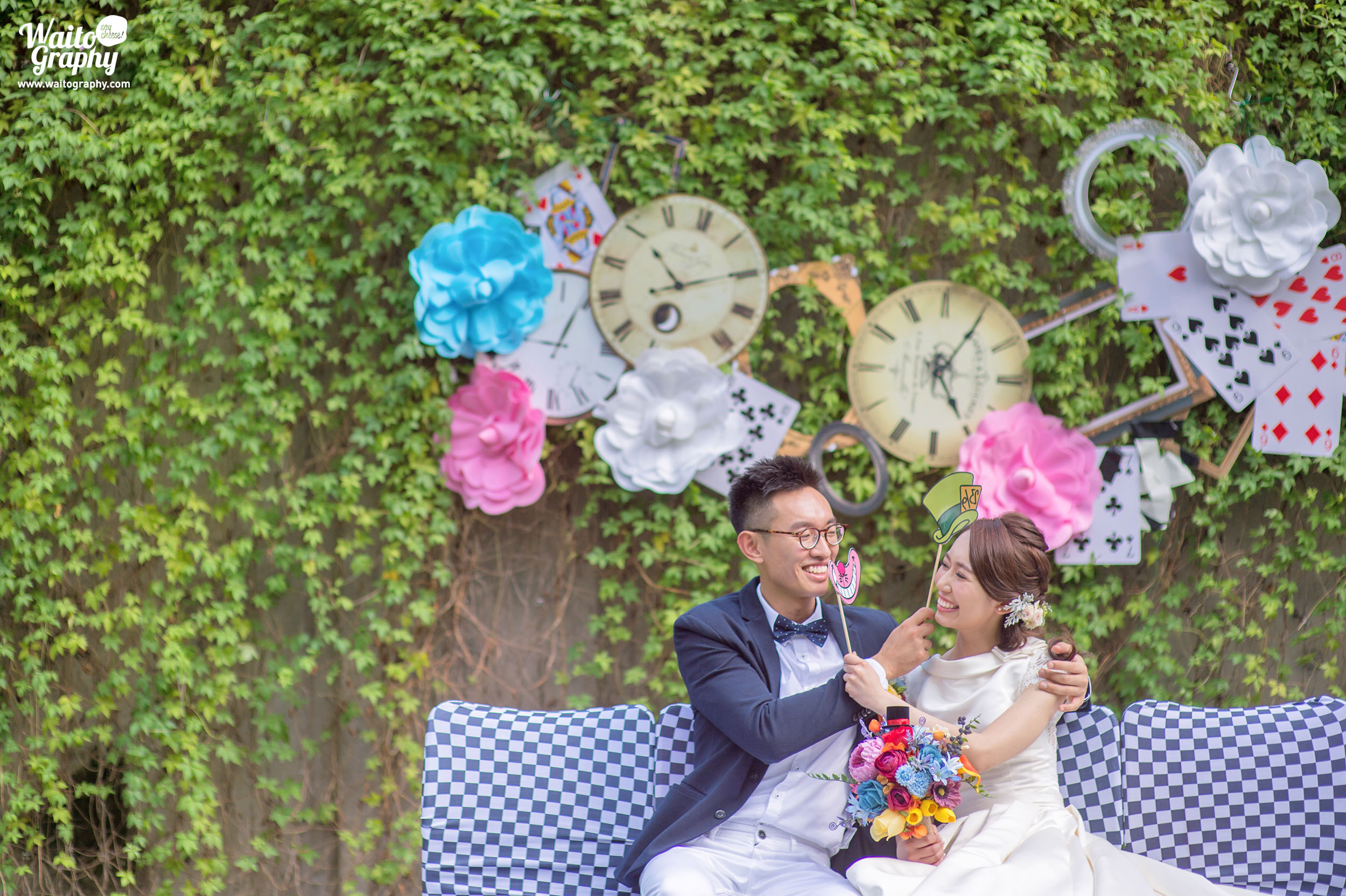 Newly wedded couples delightful moment at Hong Kong outdoor lawn wedding venue Zero Carbon Building captured by best Hong Kong wedding photographer