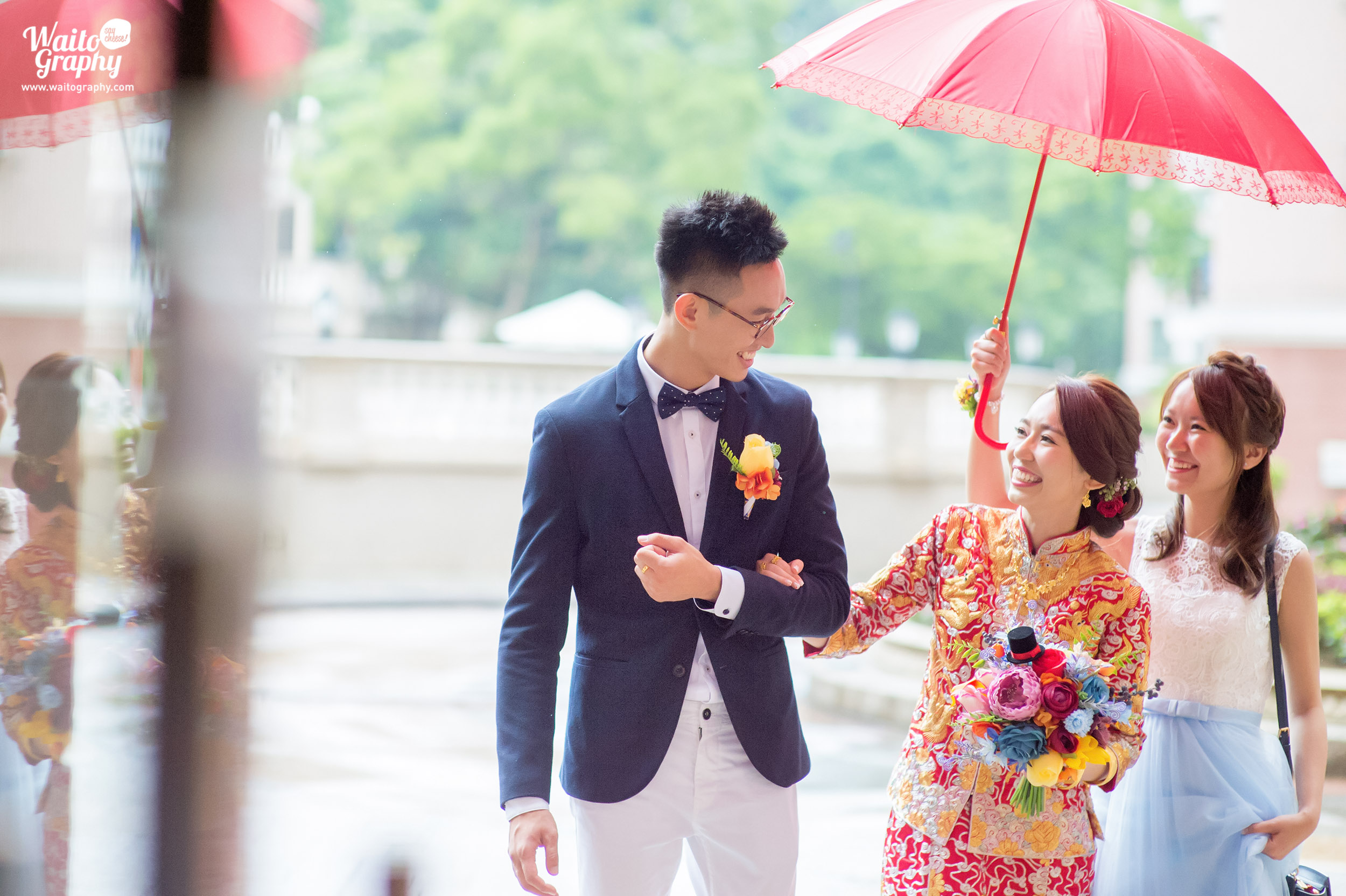 bride and groom sweet moment captured by wedding photographer hong kong